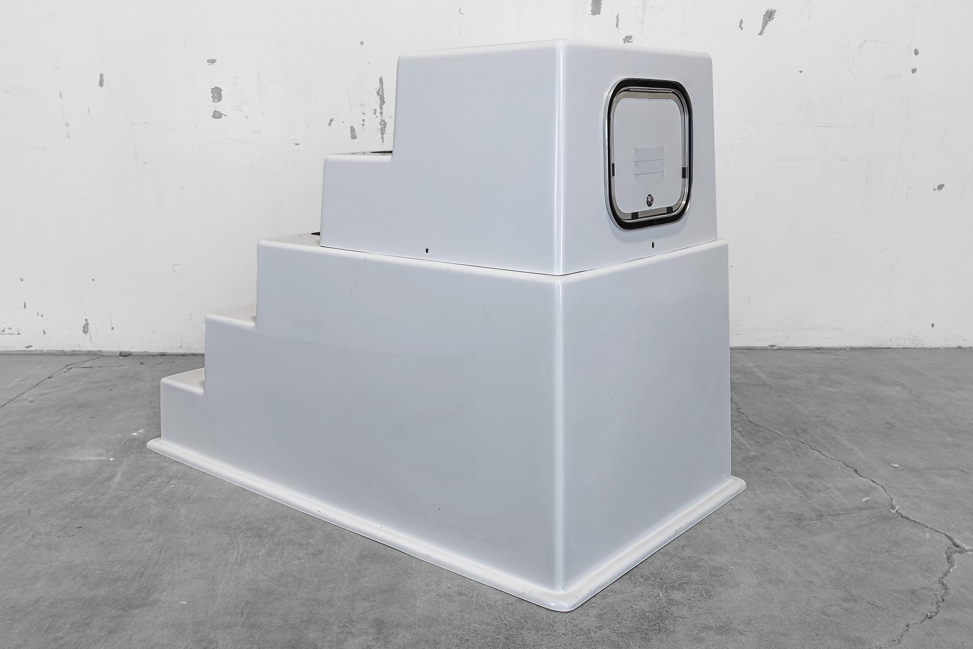 Model 500SD - 5-Step locking access door